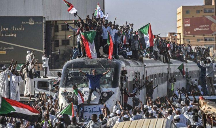 أضواء على الثورة الشعبية في السودان